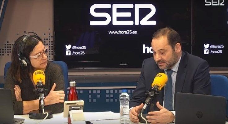 El ministro de Fomento en funciones se pasó por los micrófonos de la Cadena SER