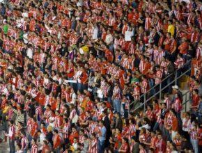 El Sporting golea al Almería en su estadio