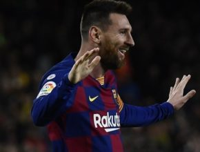 Messi firma su primer hat-trick de la temporada. Dos de los tantos, de libre directo.