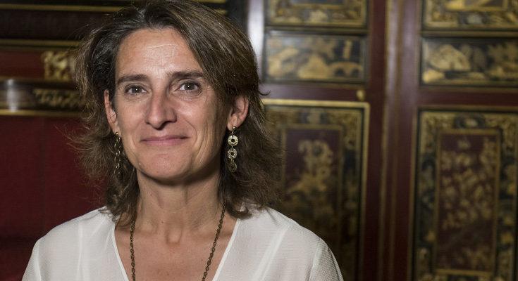 La ministra para la Transición Energética atendió al diario El País