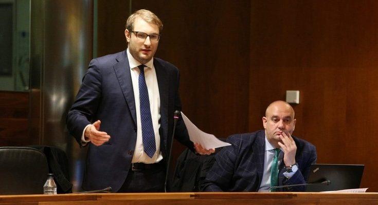 El portavoz de Foro en Asturias considera que el Principado no puede comenzar el año con unos presupuestos prorrogados