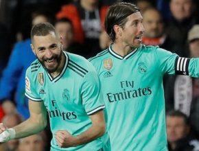 Benzema aprovechó un rechace en el último minuto para salvar un punto en Mestalla