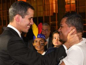 El presidente interino de Venezuela atendió al diario El País