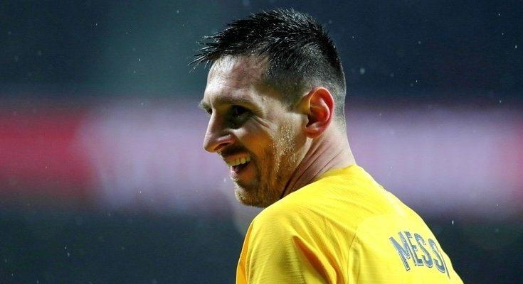 El argentino supera a Cristiano Ronaldo y se convierte en el jugador más laureado de la historia