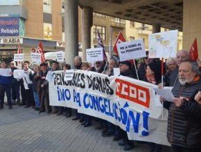 La manifestación marchó por todo el centro de Oviedo hasta llegar a la sede de la Junta del Principado