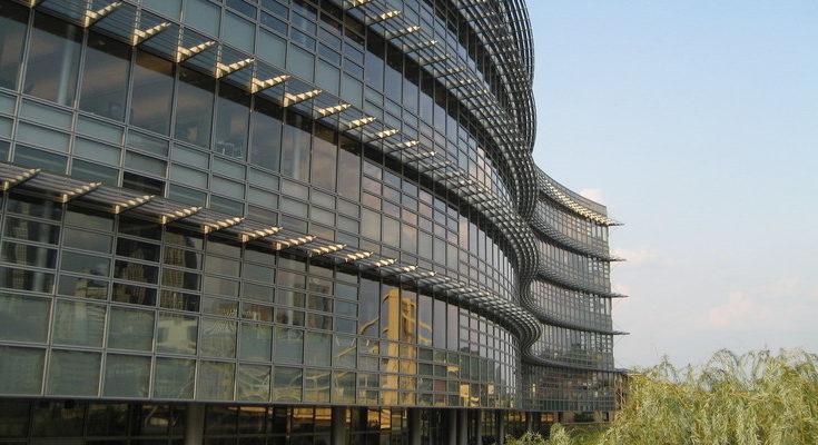 PSOE y Unidas Podemos exie compromiso de generar empleo a las grandes empresas electrointensivas